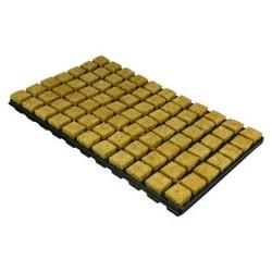 Atami Cube laine roche sur plateau 3,5x3,5x4cm